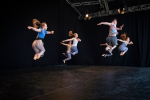Swindon Youth Dance Co Photo: Mark Simmons